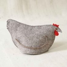 Chicken tea cosy