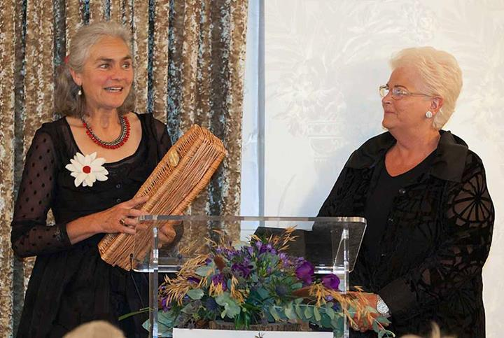 Yuli Somme receiving the Coffin Supplier of the Year Award